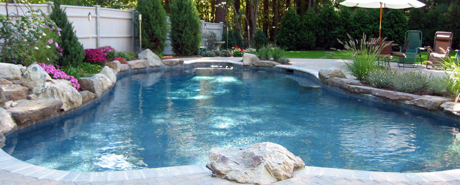 Custom pools hot tubs gunite pools natural inground swimming pools in new hampshire for Public swimming pools locations maine